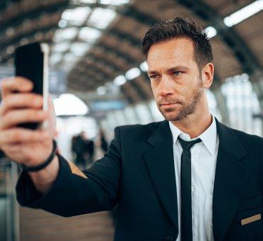 Zobacz, jak przebiega proces otwierania konta za pomocą selfie w BNP Paribas