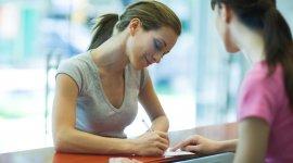 Podpis własnoręczny, elektroniczny czy kwalifikowany? Podpisywanie dokumentów online