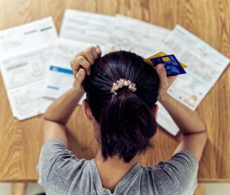 Co robić, gdy stracę pracę i nie mam na spłatę raty kredytu? Postępowanie banku i windykacja