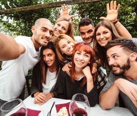 Młodzi zadłużeni. Polacy zaciągają kredyty nie tylko na cele konsumpcyjne
